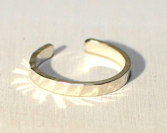 Toe ring in sterling silver with hammered design - TR878