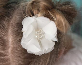 Ivory hair clip, flower hair clip, cream wedding flower girl, birthday gift, girl hair accessory, toddler hair clip, baby hair clip,