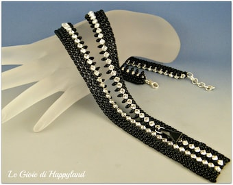 Zipper necklace , netting kit and pattern