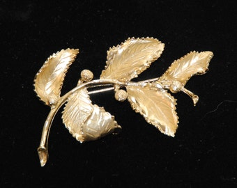 Vintage Coro Turning Leaf Gold Brooch, Coro Brooch, Leaf Brooch, Gold Brooch, CORO