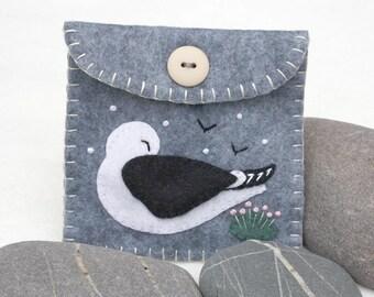 Felt coin purse, Felt bird purse, Grey felt purse, Coastal purse, Seagull, Black backed gull, grey felt pouch, small purse, coastal gift