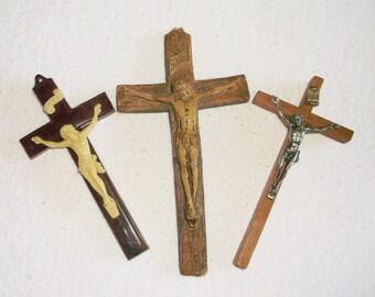 Vintage wood & plastic Crucifix • 3 count