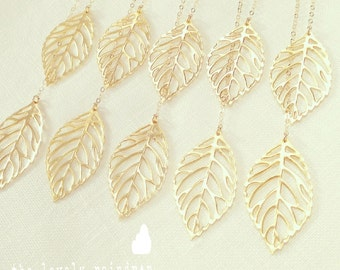 SALE - Leaf Lariat in Gold - gold dainty leaf pendants - Gold Jewelry - Wedding Jewelry - Bridal Jewelry - Gift For - Christmas