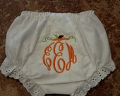 Personalized baby bloomers//personalized diaper cover//monogrammed diaper cover//monogrammed baby bloomers