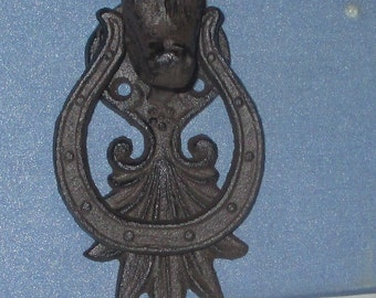Door Knocker Horse and horseshoe antiqued rusty or Pick Your Color.