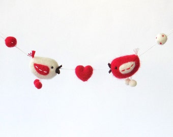 Valentine gift, miniature garland, needle felted bird - red and white birds with a felted heart