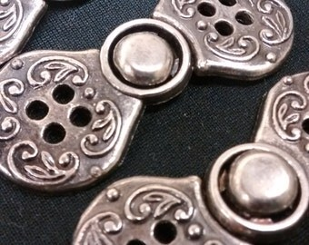 Free U.S. Shipping - set of 3 Nordic Swirl pewterlike buttons, etsy buttons, craft buttons, knitting, crochet, wool, button
