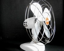 Upcycled 'Zero' Fan Model 10499. Repainted White Retro Fan by McGraw Edison Co.  Mid-Century Working Electric Desk Table Fan Aluminum Blades
