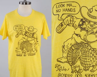Vintage 80s Texas ARMADILLO t shirt / Soft thin t shirt / Collectible Texana / Screen Stars label Large