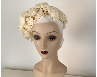 Vintage 60s Womens Cream Hat, Ruffle Flowers, Pearly Stamens, Ecru, Off White, Cotton Knit Beret, Boho Flair, One Size, Festival, Lovely!