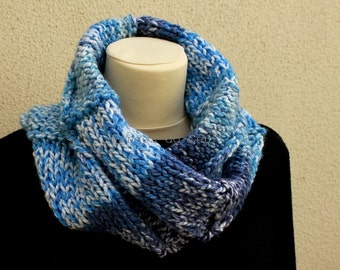 Knitted Neckwarmer in Blue and White - Scarf - Handmade by T. Catana - Made to Order: 3-4 business days.