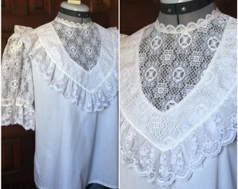 White Lace Blouse Size Small/Medium