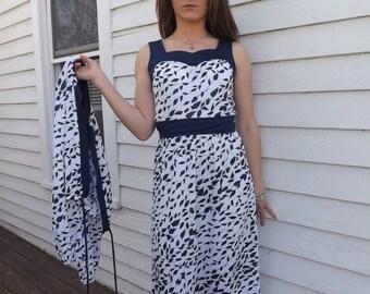 SHOP SALE 70s Print Dress White Blue Vintage 1970s Summer Sleeveless Retro S