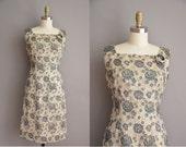 50s rose print gold metallic vintage cocktail dress / vintage 1950s dress