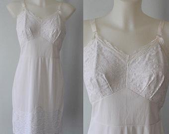 Vintage Slips, Vintage Slip, 1970s Slip, Lov Lee, Vintage White Slip, White Full Slip, Wedding, Vintage Lingerie, Lingerie