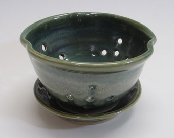 Berry bowl / handmade / wheel thrown / green / pottery / berry bowl with saucer / colander