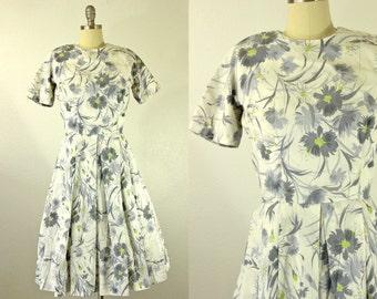 1950's Grey Daisies Dress S M Dixie Deb