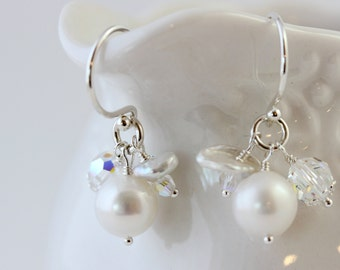 Cluster Pearl Crystal Short Dangle Earring, Simple Modern Pearl Flower Drop, Short Pearl Bridal Dangle, Boho Minimalist Pearl Earring Silver