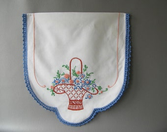 Vintage Embroidered Dresser Scarf, floral, flower basket, crochet