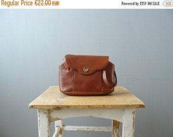 40% OFF SALE // Vintage purse. 1960s handbag. brown leather handbag