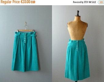40% OFF SALE // Vintage curduroy skirt. 1970s skirt. high waisted skirt
