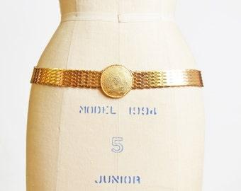 Vintage 70s GOLD METAL Fish Scale Belt / 1970s Gold Round Buckle Belt, s m