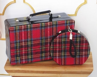 ATLANTIC VINTAGE - suitcase and train case for Barbie and similar size dolls