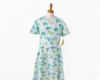 30% off sale // Vintage 60s ALVIN Floral Dress - Women Large - Flower Pattern, light seafoam green, NOS, deadstock