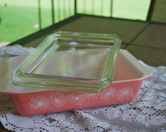 Vintage Perfectly Imperfect, Perfectly Gorgeous Pyrex 575 B, Pink Daisy Pyrex Spacesaver, Two Quart Bake, Serve and Store Covered Dish