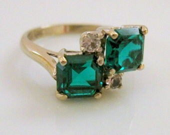 Vintage DASON Twin Lab Emerald Moi et Toi Ring 10 Karat Yellow Gold with Lab Diamond Accents - Mid-Century Vintage