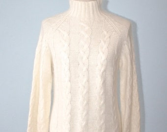 40% OFF SALE Vintage RABBIT Hair Sweater . Long Ivory White Pullover Turtleneck SoFt Lambswool Jumper . Excellent Condition . Size Medium