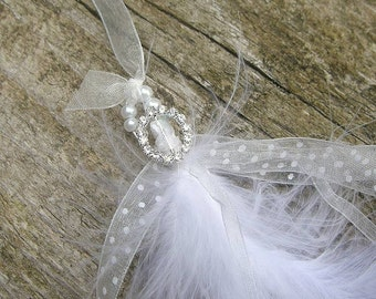 Feather And Pearl Lucky Horseshoe