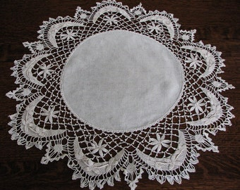 "Doily, Crocheted Doily, Collectible Doily, Vintage Doily, 26"" Round Doily, Cloth & Crocheted Doily"