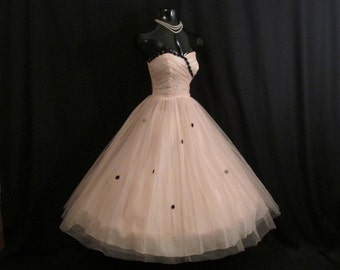 Vintage 1950's 50s Strapless Pink Blush Black Tulle Applique Circle Skirt Party Prom Wedding DRESS Gown