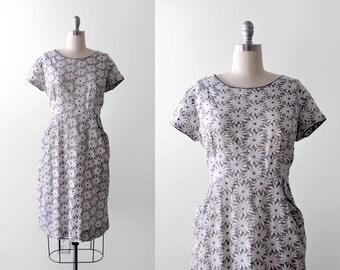 50 floral dress. eyelet. 1950's day dress. white & gray cotton. xxl. 1950 print dress. lace. xl.