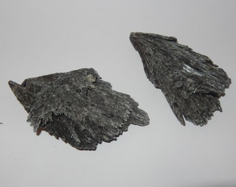 Black Kyanite - large