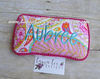 Floral Paisley Travel Baby Wipe Case, Diaper Wipes Case, Personalized, Baby Shower Gift, Diaper Bag Wipe Clutch, Embroidered Wipe Holder