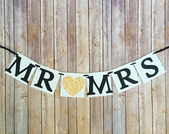 gold mr and mrs banner, gold wedding mr and mrs banner, custom wedding banners, gold heart wedding sign