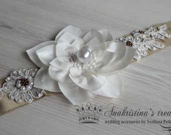 Wedding sash, Floral bridal sash, Champagne sash,Ivory flowers,Brown band,Lace flowers