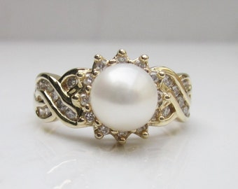 Vintage Pearl and Diamond Halo Set in 14k Solid Yellow Gold Alternate Engagement Ring with Unique Scalloped Band, Size 7