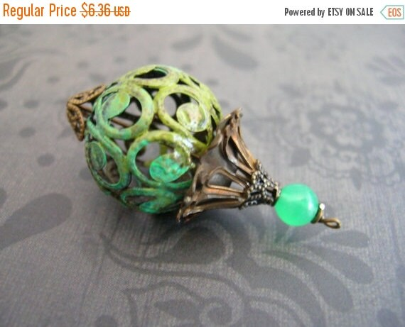 sale Vintage Style Green Verdigris Patina Pendant Dangle 20mm bead capped with Aged bronze caps  1 pc bd357