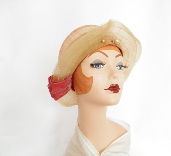 Vintage 1920s hat, Great Gatsby style, art deco pin