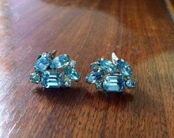 Vintage 50s Weiss Earrings // Baby Blue Rhinestones // Clip On Earrings