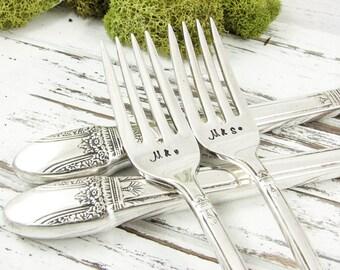 Stamped Wedding Forks. Mr and Mrs Vintage Dinner Set. Engagement or Shower Gift. Perfect Wedding Table Decor. Monogrammed Gift. 306WED