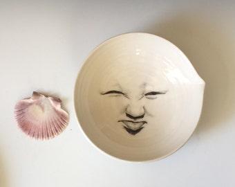 Moon Bowl, Man in the Moon Bowl, porcelain white bowl, bowl with spout