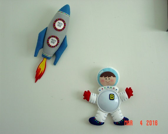 Astronaut Night Light With Rocket Picture Holder