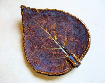 Iron Lustre Pottery Leaf Spoon Rest