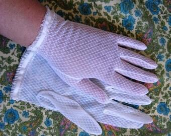Vintage 70s White Gloves 1970s Mesh Lace Nylon Dress Gloves 7