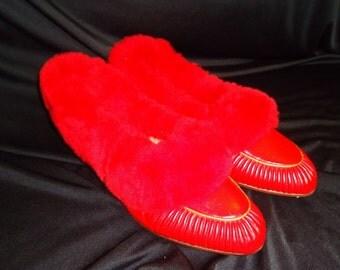 Elegant Red FUZZY Vintage 1950's Women's Boudoir Slippers 8