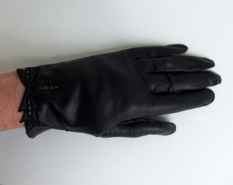 Vintage Gloves Women's Black Leather Embroidery and Cutout Design Size 6 - 6.5